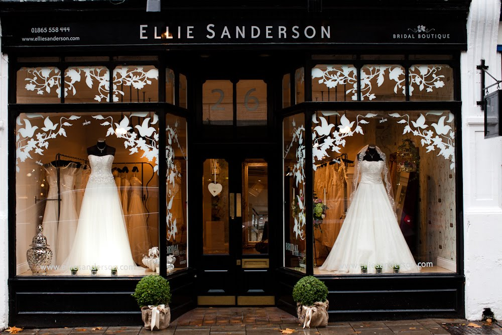 7 Steps To Buying Your Perfect Wedding Dress