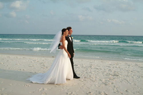 Beach Wedding Dresses Gallery : How to find out if a beach wedding s right for you