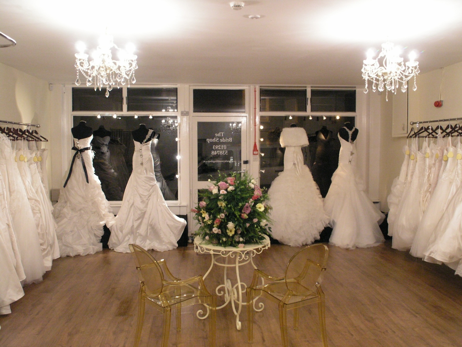 How to choose the wedding dress that 39 s right for you for Best wedding dress shops