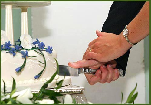 origin of wedding cake cutting the 7 stage story of the wedding cake 18067