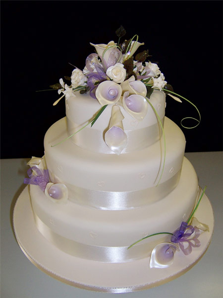 how much wedding cake for 200 guests 7 ways to a big wedding on a small budget 15551